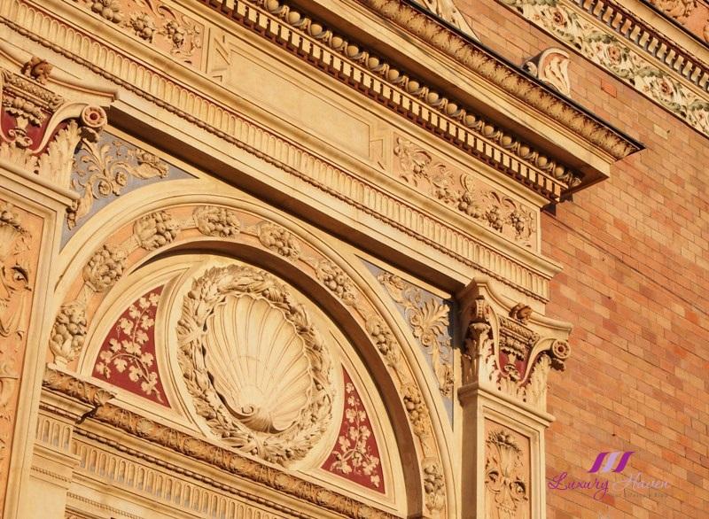scenic hungary budapest architecture motifs