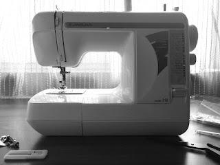 Восполняю пробелы, знакомство со швейной машинкой