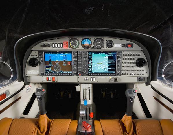 Cabina del avión DA40