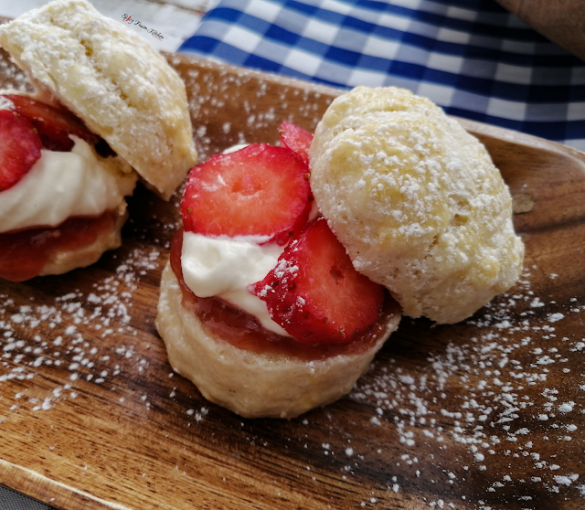 scones, tea time, baked, recipe, scones recipe, food, food blogger, food pictures, food photography, food flatlay, sweet, dessert, baked dessert, spicy fusion kitchen, sweet