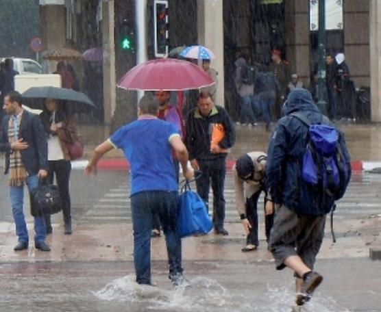 نشرة خاصة: رياح قوية وأمطار رعدية مرتقبة بعدد من مناطق المملكة