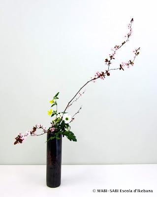 Ikebana-nageire-freestyle-wabisabi-escoladikebana