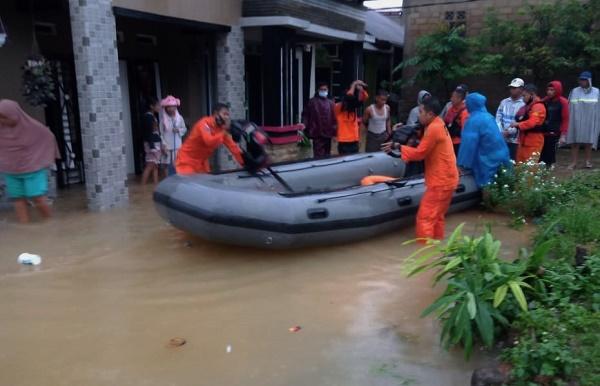 Tanjung Pinang Kembali Direndam Air Hujan, Evakuasi Terus Berlangsung