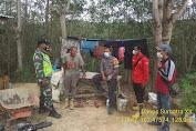 Antisipasi Karhutla, Babinsa Koramil 426-05/Muara Tebo Patroli Sambil Sosialisasi Covid-19