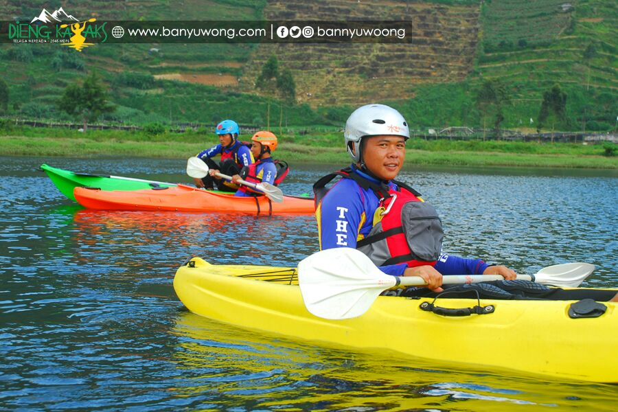 Paket Kayak Telaga Merdada Dieng- The Pikas