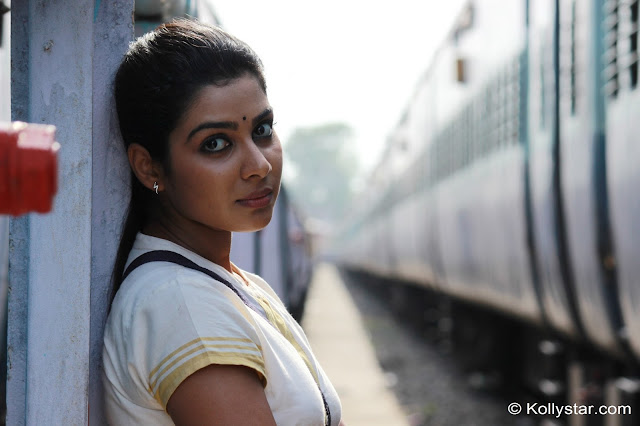 Satna titus Actress Sexy Photos