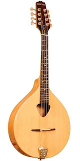 alat musik petik Mandolin