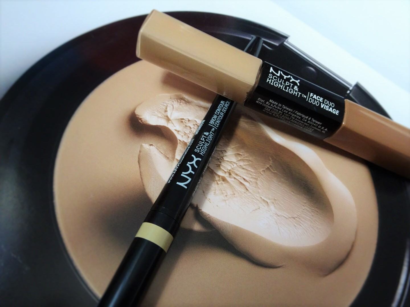 NYX Sculpt and Highlight