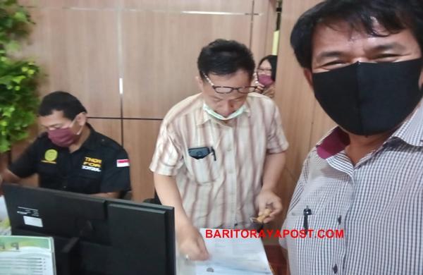 Eks Karyawan PT HPU Didampingi Kuasa Hukumnya Menggugat Ke PHI Palangka Raya