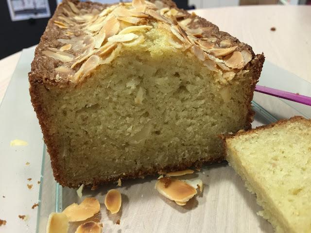 Cake aux amandes et crème fraiche