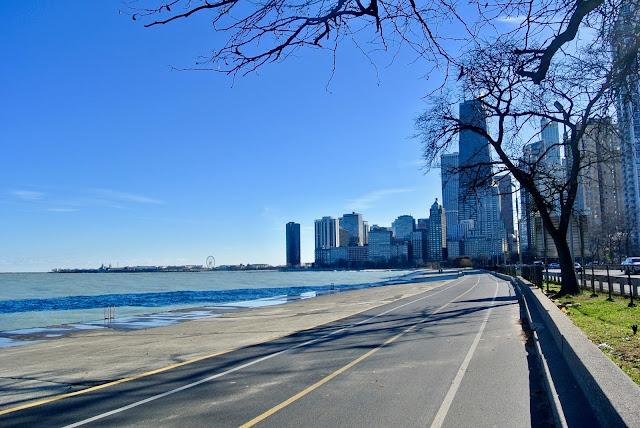 chicago skyline lake shore beach lake michigan