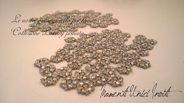 pietre Dettagli preziosi per la Collezione LuxuryCollezione Luxury Colore Bianco Partecipazioni con pietre
