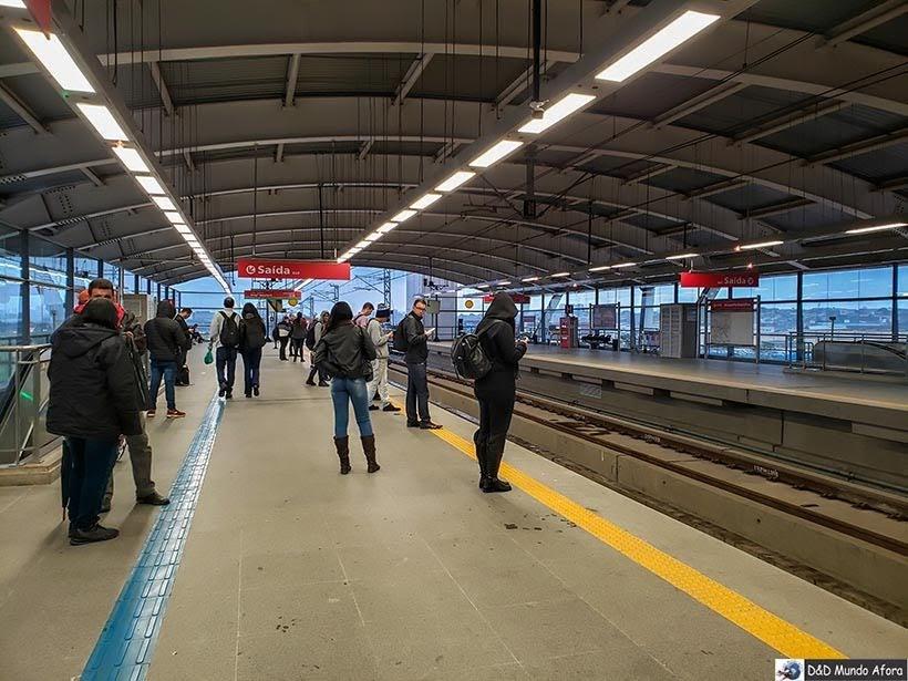Plataforma da Estação de trem Aeroporto Guarulhos - Trem para Guarulhos, São Paulo: como funciona