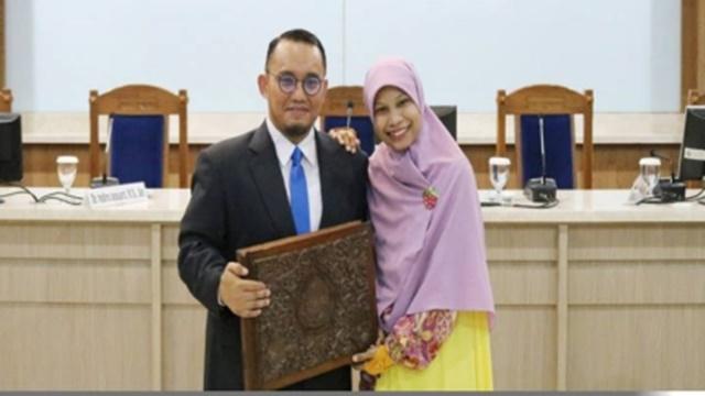 Istri Dahnil Anzar: Harusnya Menpora yang Muncul dan Bertanggung Jawab