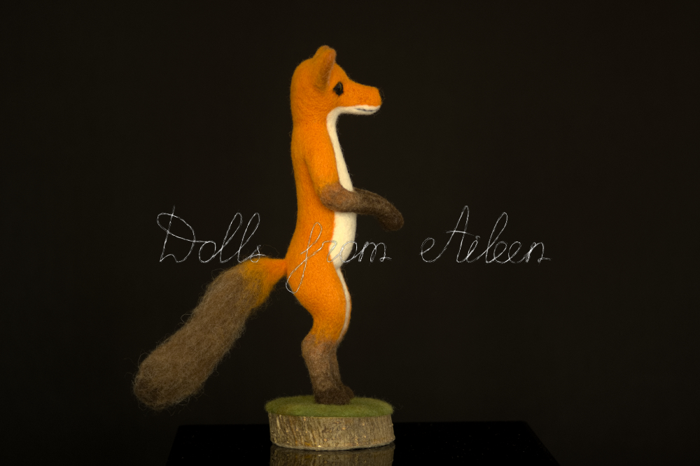 bare ooak needle felted fox sculpture, in profile