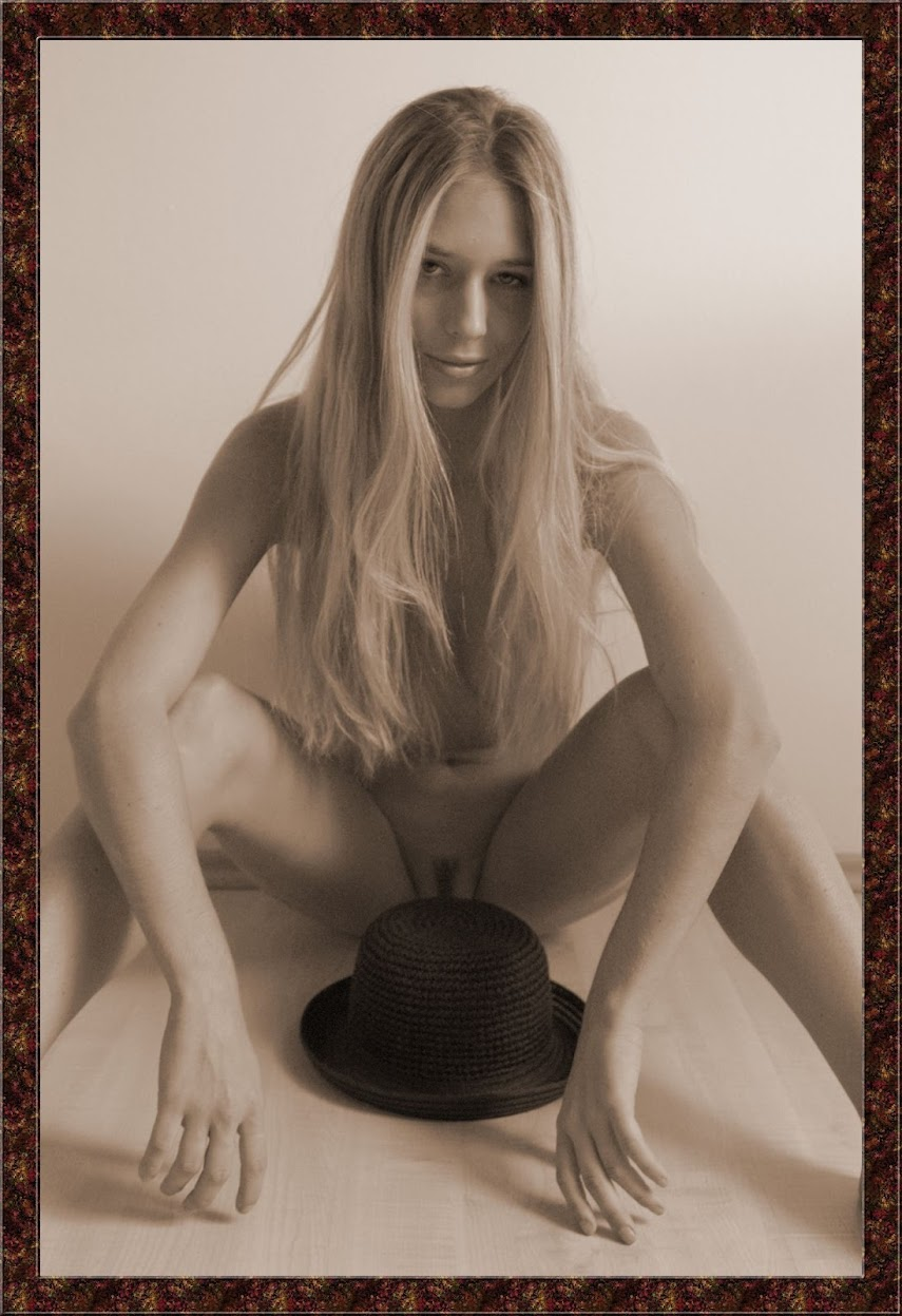Met-Art 20040524 - Lucy S - Lucy S. The Hat - by Richard Murrian 20040524_-_Girls_-_Giunone_-_by_Anais_Demois.zip.MET-ART_ad_30_0044