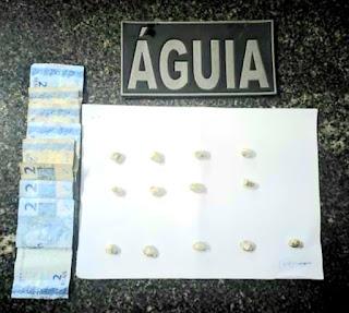 ESQUADRÃO ÁGUIA DO 16º BATALHÃO PRENDE INDIVÍDUO EM FLAGRANTE DELITO TRAFICANDO DROGAS NO BAIRRO CATERPILA EM CHAPADINHA-MA.