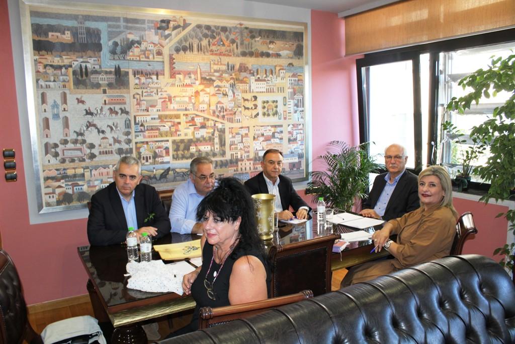 Σύσκεψη δημάρχου Λαρισαίων και βουλευτών Λάρισας για το προσφυγικό