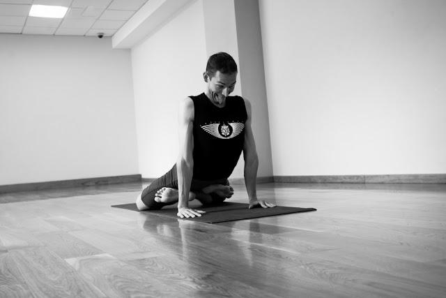 Mỗi ngày một tư thế Yoga | 21 Tư thế sư tử