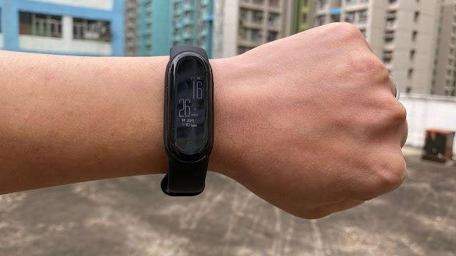 Aiyo0o 運動智能手錶開箱:心率、運動監測 支援 FB、WHATSAPP 接收訊息