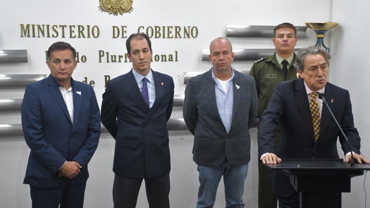 González y Tertsch luego de su reunión con el ministro de Gobierno de Bolivia el jueves / ABI