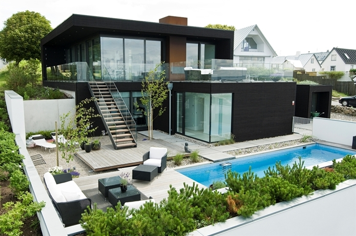 Black Modern Beach House In Sweden