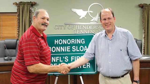 Homenaje a Bonnie Sloan por la ciudad de Hendersonville