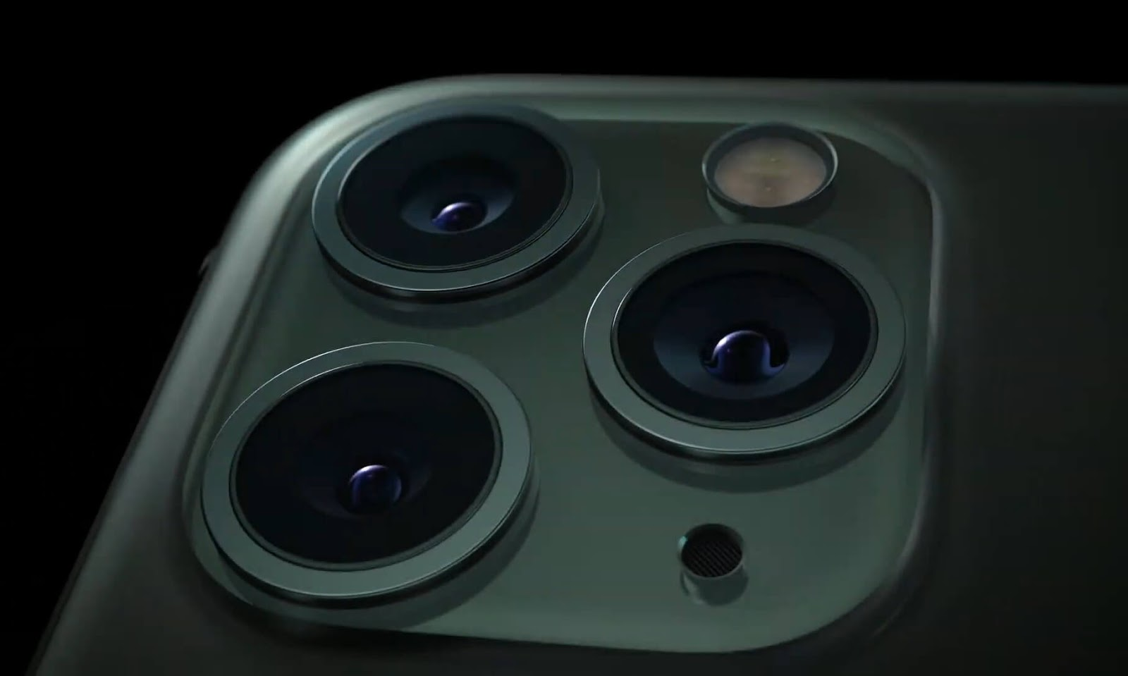 مواصفات iPhone 11 سعر وعيوب و مميزات ابل ايفون ١١