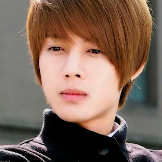 """Fanáticos coreanos arremeten contra """"Kim Hyun Joong"""" por nuevas fotos"""