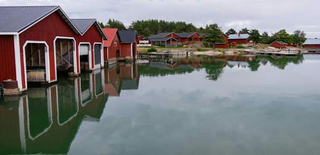 How many islands are there in Sweden?