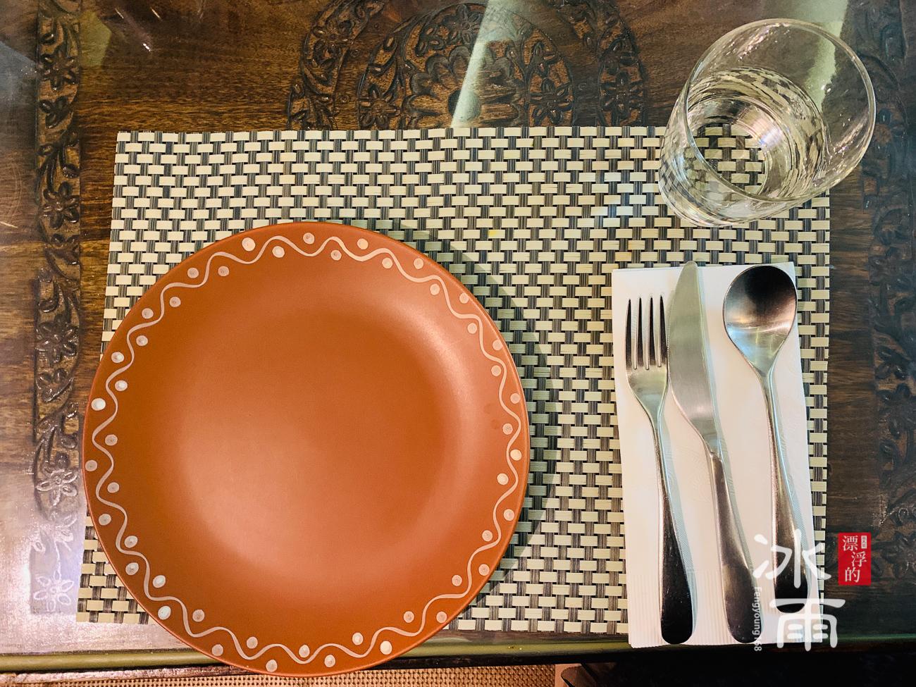莫夏印度餐廳Moksha|特色桌面盤子