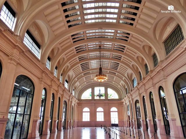 Vista ampla do Saguão da Estação Julio Prestes - Sala São Paulo nos Campos Elíseos - São Paulo
