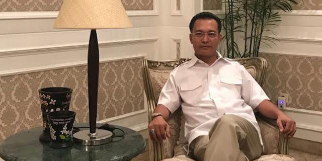 Bela Rizal Ramli, Iwan Sumule: Buzzer Bayaran Itu Kuman Demokrasi, Peternaknya Suka Jorok Dan Jorokin