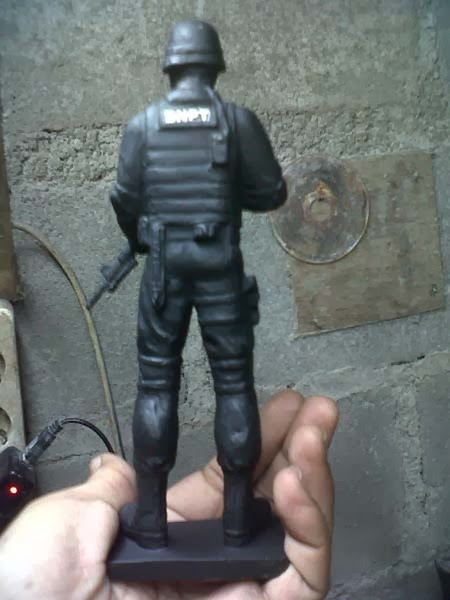 action figure pasukan khusus swat