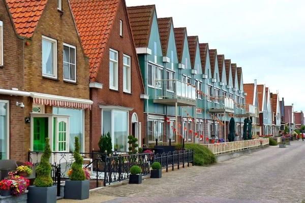 Rumah-rumah penduduk di Volendam