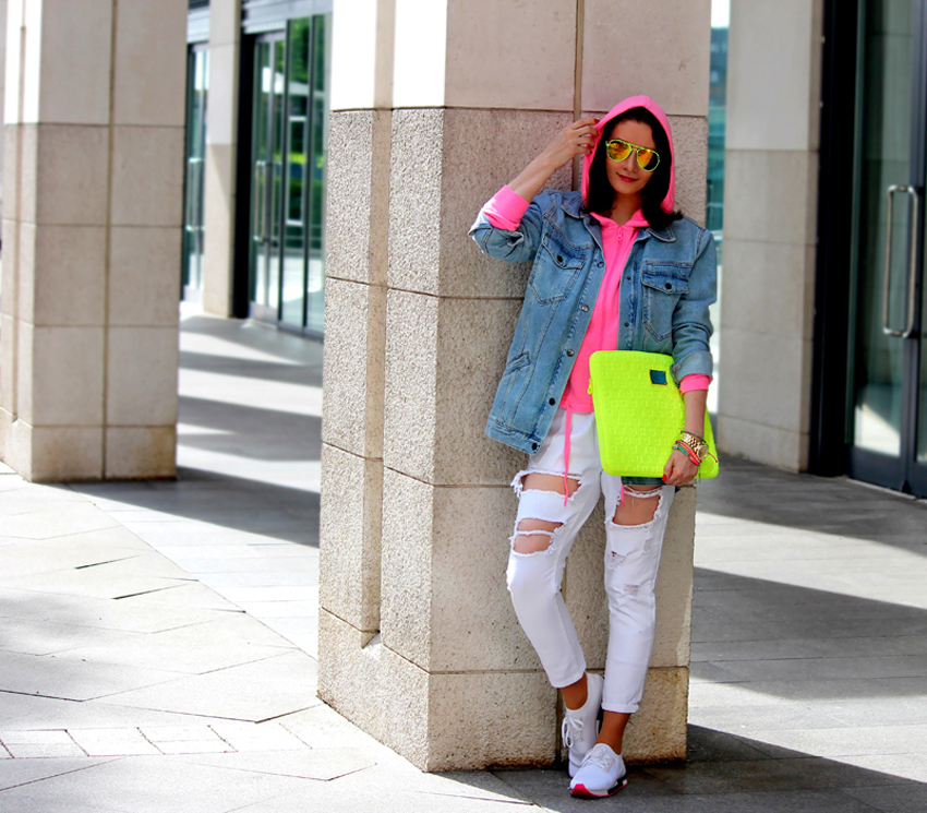 Crazy for NEONS !