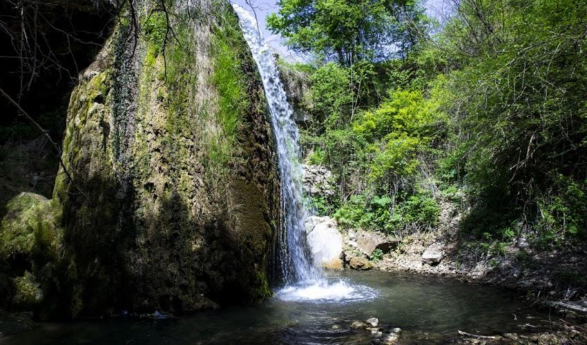 На разходка до водопад Скока край село Реселец