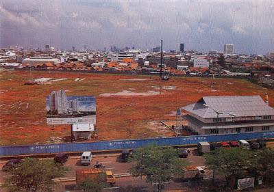 lahan kosong di mangga dua court, 1992
