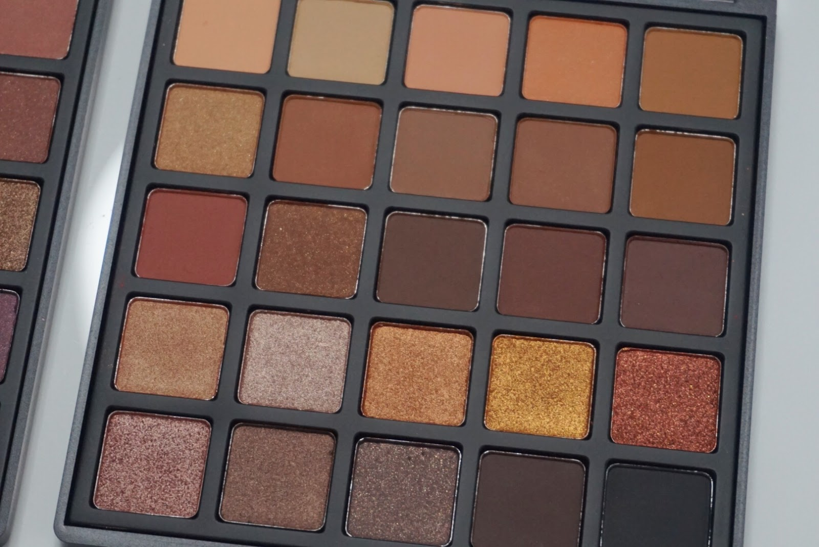 Zoom of Morphe 25A