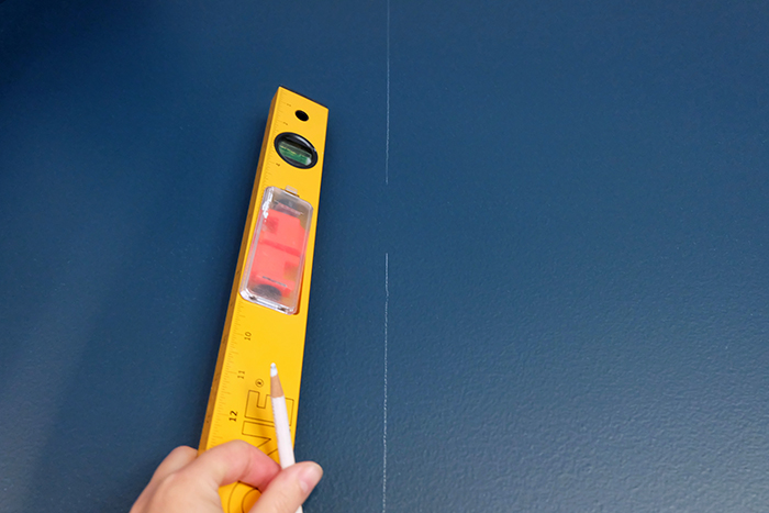 draw plumb line to start for a guide