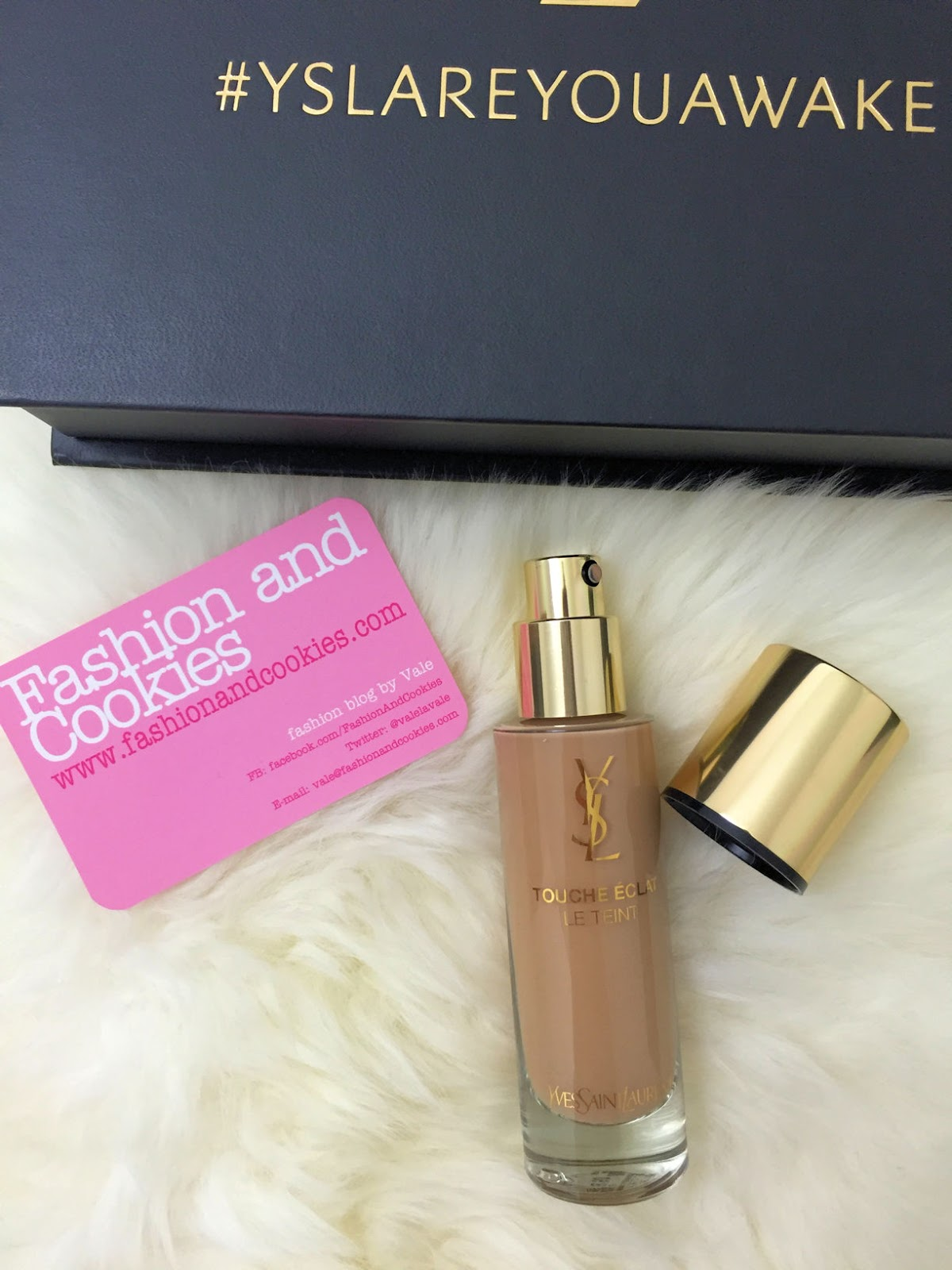 YSL Beauty Touche Éclat Le Teint foundation on Fashion and Cookies beauty blog, beauty blogger