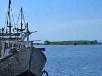 Pantai Kejawanan: Pantai Indah di Cirebon Dengan Mitos Melegenda yang Patut Dikunjungi