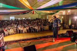 Nosso apresentador cómico animou as mais de 600 pessoas que assistiram o show de Humor e Circo contratado para o evento Vida Mais em Itapira SP.
