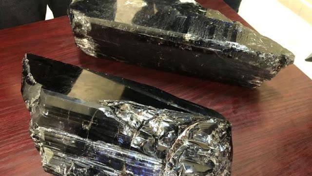 Temukan 15 Kg Batu Mulia Langka, Penambang Kecil Mendadak Jadi Miliarder