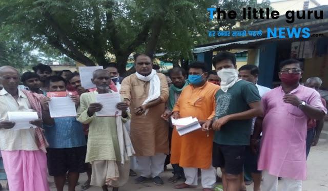 प्रधानमंत्री के लिखे पत्र को भाजपा कार्यकर्ताओं ने पहुंचाया घर-घर, दूसरे कार्यकाल की गिनाईं उपलब्धियाँ
