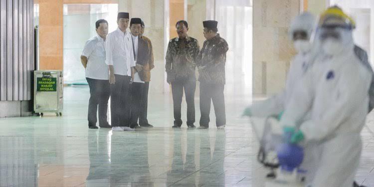 Warga Jakarta Diperbolehkan Tidak Sholat Jumat