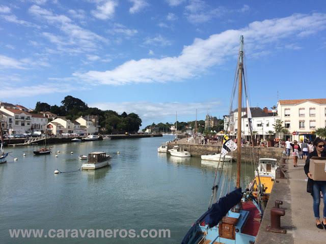 Foto del Paseo por el puerto de Pornic | caravaneros.com