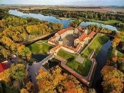 Zamek Radziwiłłów w Nieświeżu - foto Pavel Potashnikov