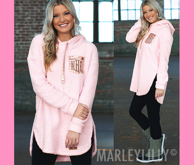 pink sherpa hoodie outfit