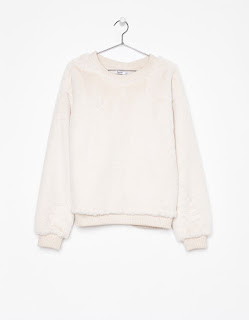 https://www.bershka.com/ch/fr/pull-fausse-fourrure-c0p101138121.html?colorId=712